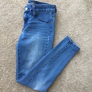 Universal Thread Mid Rise Jegging Size 2/26S